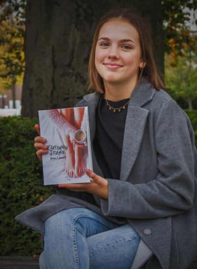 Puurse tiener brengt roman uit