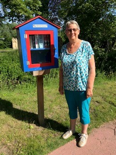 Gerda is meter van het boekenruilkastje in Kalfort